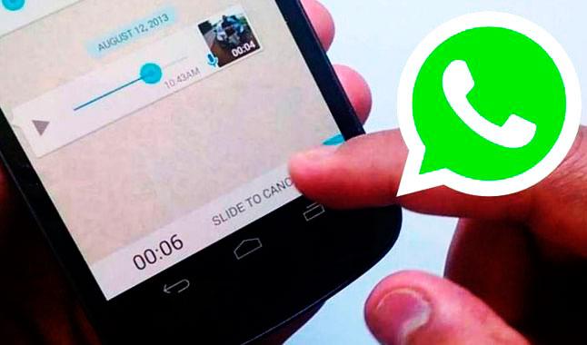 Debes cambiar tu forma de escuchar audios de WhatsApp